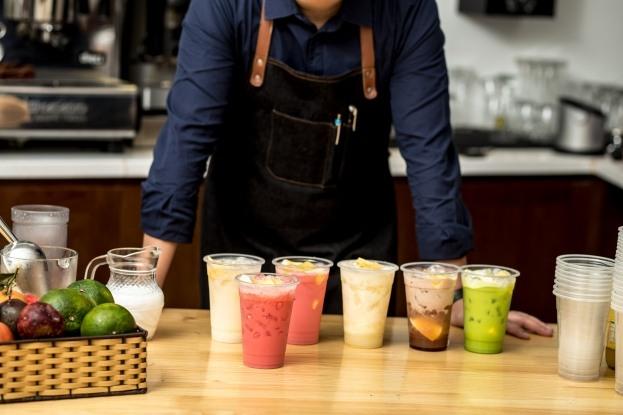 học pha chế đồ uống để kinh doanh mở quán trà sữa