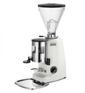Với khả năng điều chỉnh tự động sẽ giúp bạn điều chỉnh được độ mịn cafe như ý