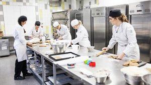 học làm bánh tại Tam Long