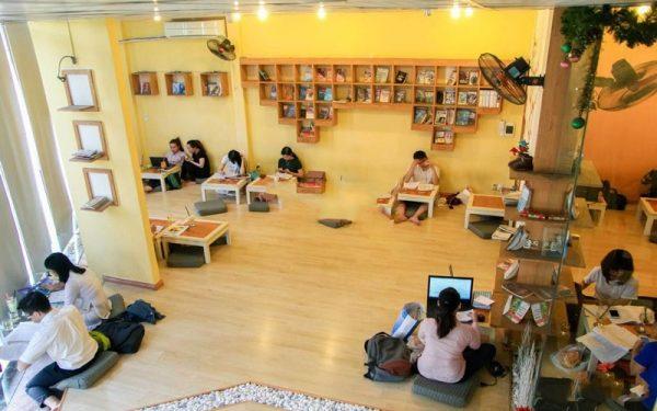 mô hình kinh doanh cà phê sách phổ biến
