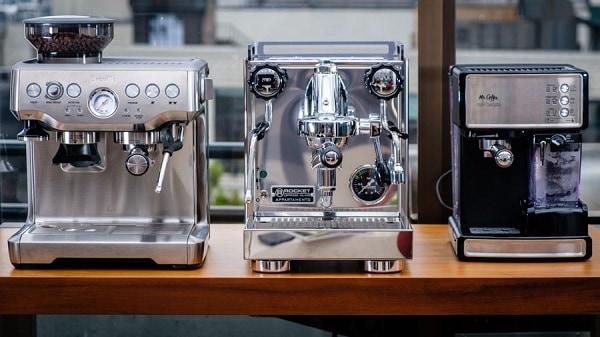 so sánh máy pha cà phê tự động và máy bán tự động - Tam Long Group