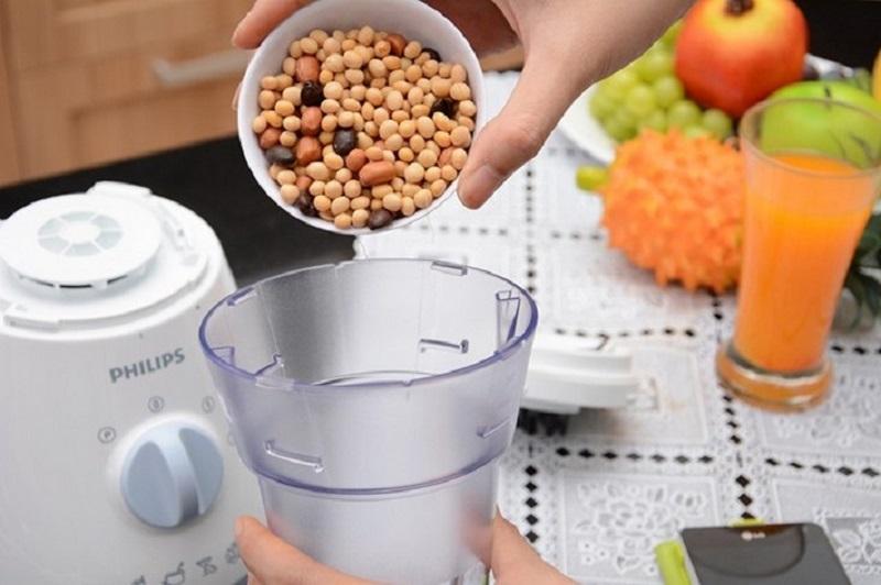 Cách sử dụng máy xay sinh tố để xay hạt khô