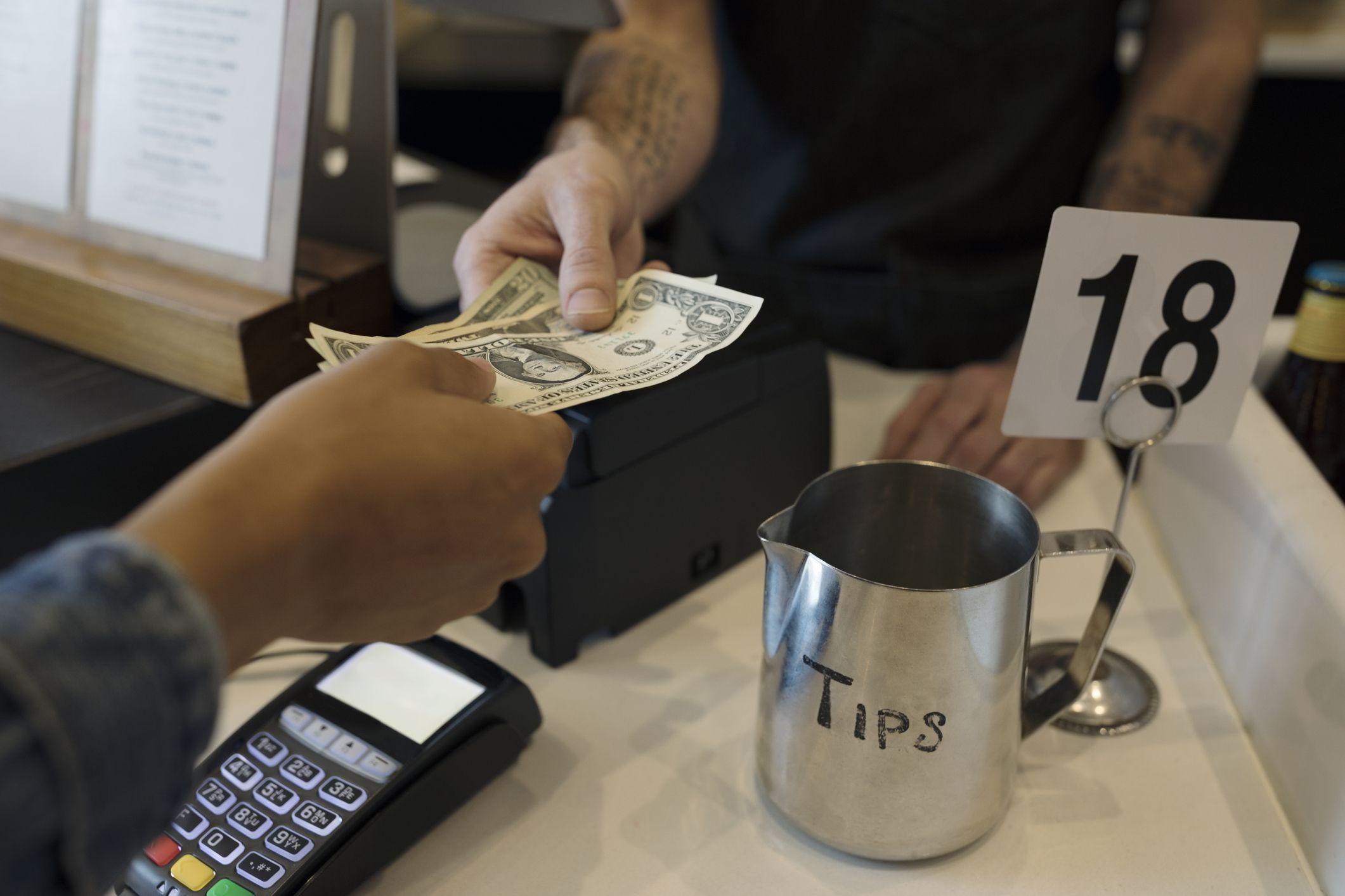 Thanh toán nhanh trong quán cà phê