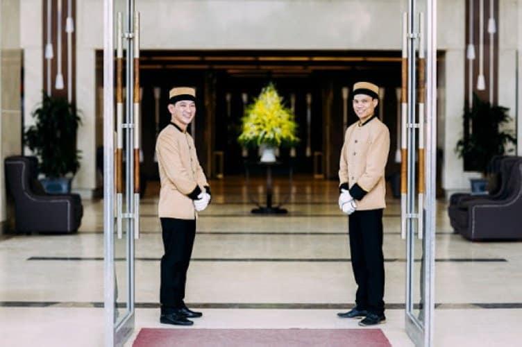 Doorman là gì Công việc Doorman cần làm là gì