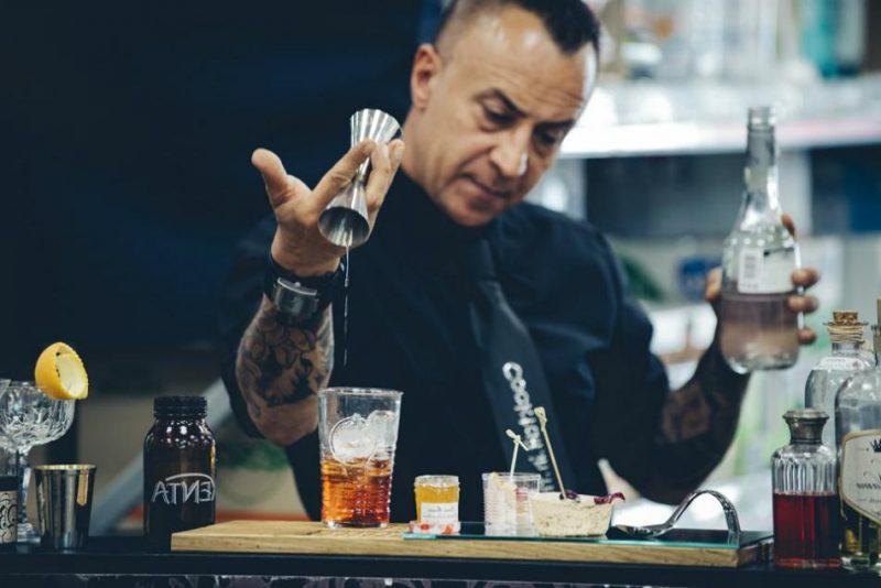 học pha chế đồ uống để kinh doanh mở quán cà phê