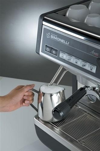 Review máy pha cà phê Nuova Simonelli có đáng mua không?