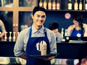 Kinh doanh quán cà phê thành công vì có đội ngũ phục vụ chuyên nghiệp