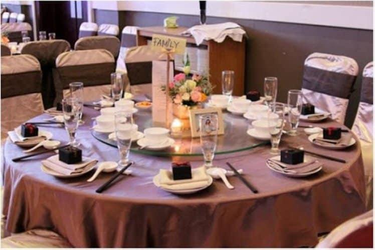 Tham khảo cách sắp xếp bàn ăn kiểu Á