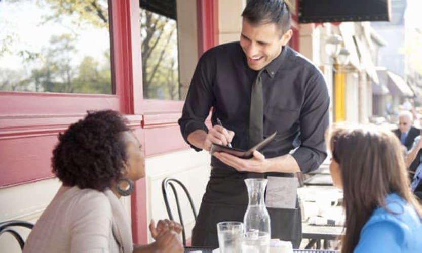 Waiter là gì Công việc waiter đảm nhận gồm những gì